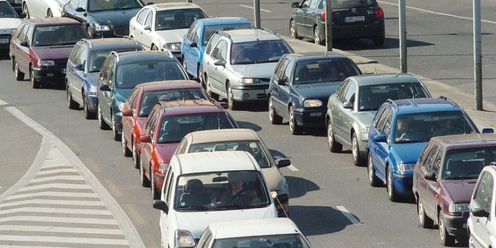 V Praze jezdí o třetinu méně aut. Přibyli cyklisté