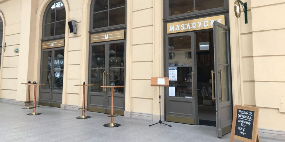 V Praze se otevřela nová luxusní nádražka. Láká na vejmrdu nebo žemlovku