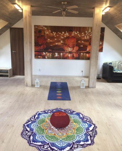 prostor pro cvičení jógy