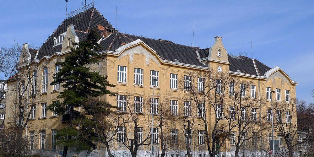 Na zvýšení kapacity škol Praha rozdělí 303 miliony korun